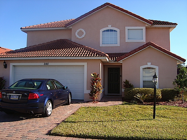 Front view of house affordable orlando vacation home for Exterior view of building